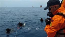 Phát hiện thêm 3 vật thể nghi là phần thân và hộp đen của máy bay Lion Air