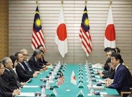 Thủ tướng Nhật Bản hội đàm với người đồng cấp Malaysia