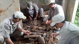 Gần 1.000 đầu đạn và bom các loại trong ngôi nhà hoang ở Khe Sanh
