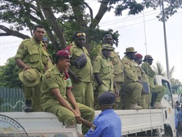 Cảnh sát, binh lính Papua New Guinea tấn công Quốc hội đòi tiền phục vụ APEC