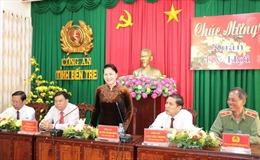 Chủ tịch Quốc hội Nguyễn Thị Kim Ngân chúc Tết Công an và Bộ Chỉ huy Bộ đội biên phòng tỉnh Bến Tre