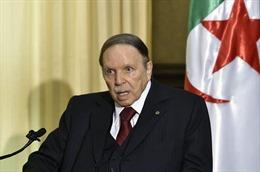 Tổng thống Algeria A. Bouteflika tuyên bố từ chức