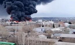 Video cháy lớn tại nhà máy chế tạo tên lửa hàng đầu của Nga