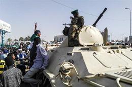 Sudan ban bố tình trạng khẩn cấp quốc gia, thành lập Hội đồng quân sự