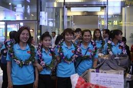 Đội tuyển bóng đá nữ Việt Nam trở về trong vinh quang