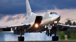 Máy bay ném bom chiến lược TU-22 của Nga hạ cánh khẩn cấp vì hỏng động cơ