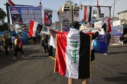 Hàng trăm người Iraq biểu tình bên ngoài Đại sứ quán Mỹ phản đối các vụ không kích