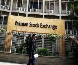 Tấn công đẫm máu nhằm vào sàn giao dịch chứng khoán ở Pakistan