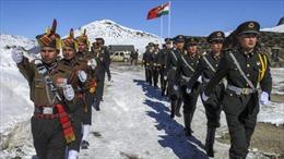 Thủ tướng Modi và Tham mưu trưởng Quân đội Ấn Độ thăm khu vực biên giới xung đột với Trung Quốc