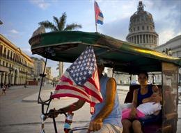 Chính quyền Mỹ gia hạn lệnh cấm vận thương mại Cuba thêm 1 năm