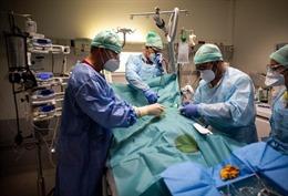 COVID-19 tới 6 giờ sáng 19/11: Thế giới trên 10.300 ca tử vong/ngày; Mỹ và châu Âu diễn biến rất nghiêm trọng
