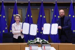 Lãnh đạo EU ký thỏa thuận thương mại hậu Brexit với Anh