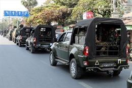 Biểu tình leo thang, Myanmar mở rộng lệnh giới nghiêm và cấm tụ tập đông người