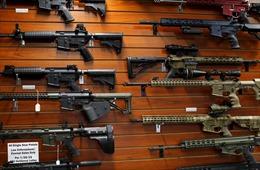 Hạ viện Mỹ thông qua dự luật siết chặt kiểm soát súng đạn