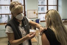 COVID-19 tới 6 giờ sáng 2/3: Thế giới trên 2,5 triệu người tử vong; Hàng loạt nước triển khai tiêm vaccine