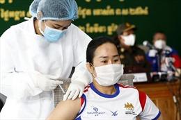 COVID-19 tại ASEAN hết 10/3: 'Tâm dịch' Indonesia hạ nhiệt; Singapore tiêm vaccine cho lao động nhập cư