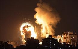 Video màn đấu tên lửa-rocket đỏ trời giữa Israel và Hamas
