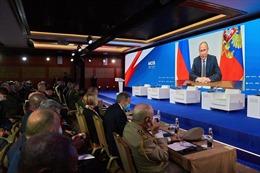 Tổng thống Nga Putin cáo buộc NATO tăng cường quân sự giáp biên
