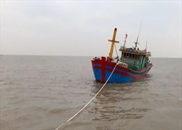 Cảnh sát biển cứu 6 ngư dân gặp nạn trên biển