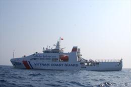 Những 'chiến sĩ anh nuôi' trên tàu Cảnh sát biển 8004