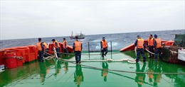 Cảnh sát biển cứu 9 ngư dân gặp nạn trên biển