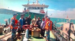 Cảnh sát biển bắt giữ 3 tàu sang mạn dầu trái phép