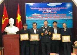 24 tranh nghệ thuật, cổ động đạt giải cuộc thi 'Bộ đội Cụ Hồ - Người chiến sĩ Hải quân'