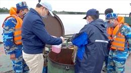 Cảnh sát biển tạm giữ tàu chở 100.000 lít dầu bất hợp pháp