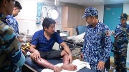 Cảnh sát biển cấp cứu ngư dân bị nạn trên biển