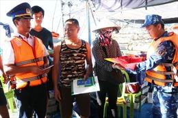 Bộ Tư lệnh Cảnh sát biển tổ chức chương trình'Cảnh sát biển đồng hành với ngư dân'tại huyện đảo Bạch Long Vĩ