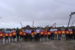 Hải đoàn 42 BTL Vùng Cảnh sát biển 4 đồng hành với ngư dân Cà Mau