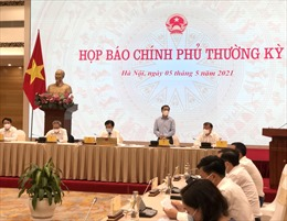 Thứ trưởng Bộ Y tế Trần Văn Thuấn: Không cấm chuyên gia nước ngoài vào Việt Nam