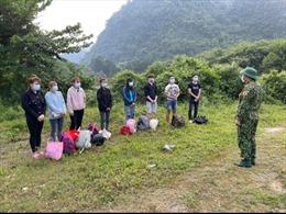 Bộ đội biên phòng tạm giữ 34 người nhập cảnh trái phép qua biên giới