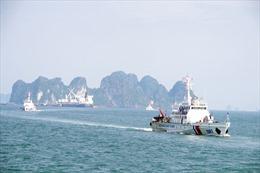 Vùng Cảnh sát biển 1 huấn luyện chiến thuật vòng tổng hợp và bắn súng pháo trên biển