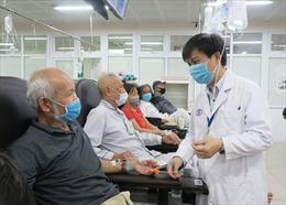 Đẩy mạnh thanh toán phí dịch vụ y tế không dùng tiền mặt tại các cơ sở y tế