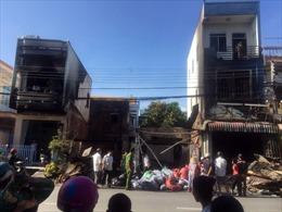 Hỏa hoạn thiêu rụi 5 căn nhà trong ngày nghỉ lễ ở An Giang