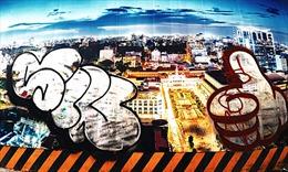 Hình vẽ, graffiti bôi bẩn khắp nơi giữa trung tâm thành phố