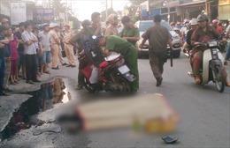 Xe tải cán tử vong cô gái đi xe máy trên đường Phan Văn Hớn