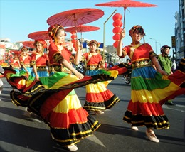 Rực rỡ Lễ hội Tết Nguyên tiêu người Hoa ở TP Hồ Chí Minh