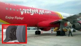 Vietjet xác nhận vụ máy bay nổ lốp khi hạ cánh xuống sân bay Tân Sơn Nhất