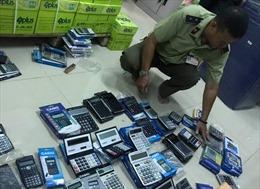 Phát hiện hàng trăm máy tính casio nghi hàng giả