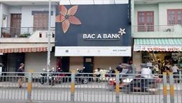 Dùng vật nghi súng uy hiếp nhân viên để cướp tiền tại chi nhánh ngân hàng  Bắc Á