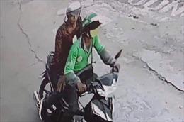 Truy bắt đối tượng cứa cổ tài xế GrabBike để cướp xe máy