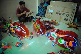 Làng lồng đèn truyền thống Phú Bình vào mùa Trung thu