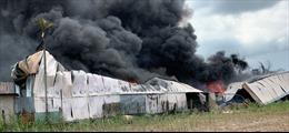 Hỏa hoạn thiêu rụi 2 nhà xưởng ở TP Hồ Chí Minh