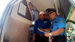 Thanh tra giao thông tăng cường kiểm tra, xử lý xe khách dịp lễ 2/9