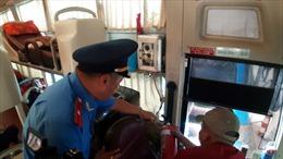 TPHCM: Thanh tra giao thông tăng cường kiểm tra, xử lý xe khách