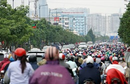TP Hồ Chí Minh: Xe cộ ùn tắc khắp các ngả đường sau nghỉ lễ