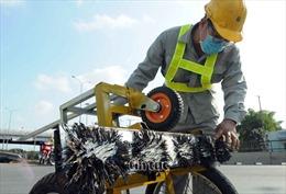 'Đinh tặc' giăng bẫy người đi đường ở TP Hồ Chí Minh