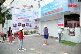 'ATM gạo' miễn phí dành cho người có hoàn cảnh khó khăntrong mùa dịch COVID-19